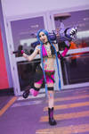 Jinx-League of Legends Cosplay by MissHatred