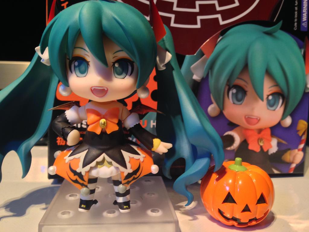 Nendoroid 448 Halloween Hatsune Miku Figure Review by DarkGamer2011