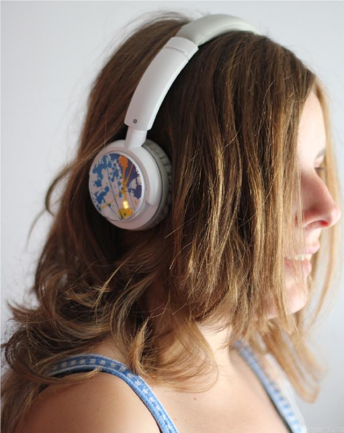 My earphones by SingerYuna