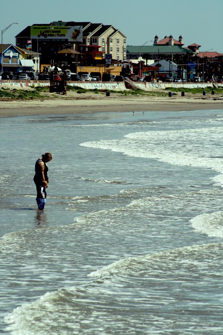 A Walk Along The Beach by Linsuz