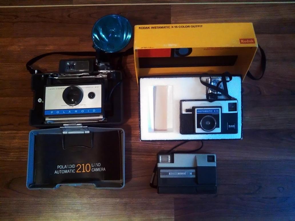 Vintage Cameras by BLUEamnesiac