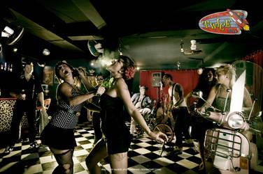 Twice Bar by pistonbroke