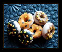 Halloween Doughnuts by Shiritsu