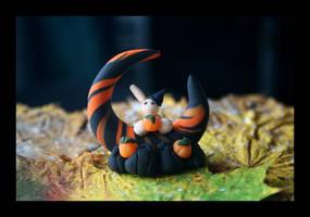 Halloween Moon by Shiritsu