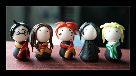 http://fc06.deviantart.net/fs17/f/2007/190/a/3/Harry_Potter_by_Shiritsu.jpg