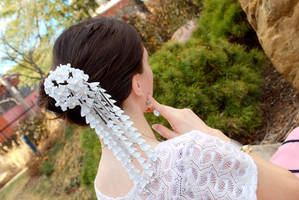 White Sakura. Kanzashi Model. by hanatsukuri