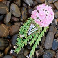 Flower Viewing. Hanami. tsumami kanzashi by hanatsukuri