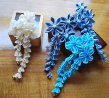Blue and ivory 'my fair lady'  Custom kanzashi by hanatsukuri