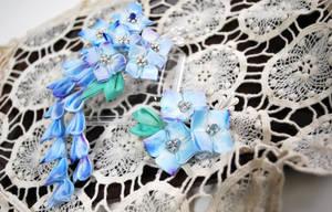 Hydrangea bridal hair set. tsumami kanzashi by hanatsukuri