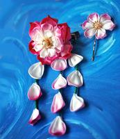 Handmade, hand dyed lotus kanzashi in pink by hanatsukuri