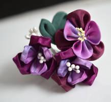 Purple Kanzashi by hanatsukuri
