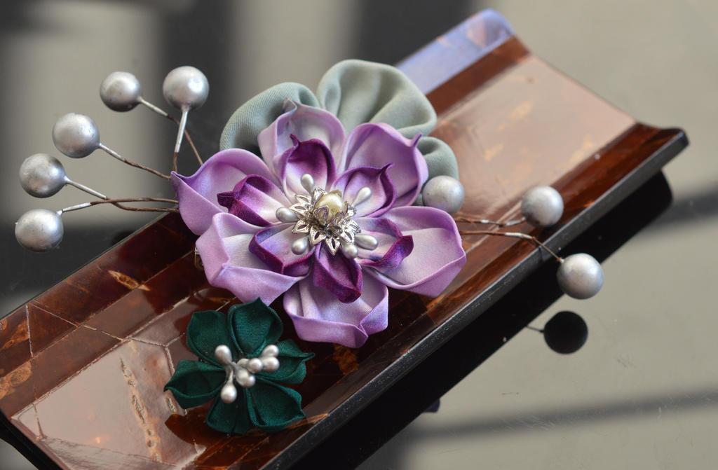Purple Lotus Boutonniere. Tsumami Kanzashi. by hanatsukuri