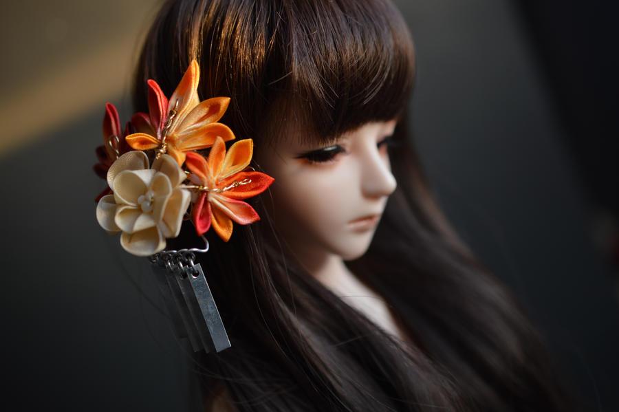 BJD mini Kanzashi. Golden Yellow and Red Mini by hanatsukuri