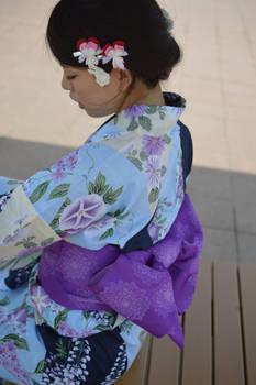 Girl in Yukata Bleading Heart + Bunny Kanzashi