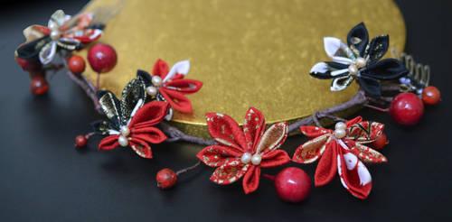 Scarlet Leaf Crown 02