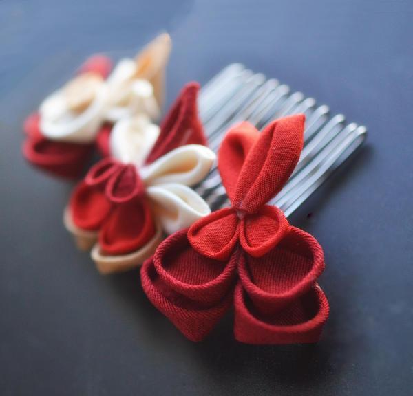 Bleeding hearts Kanzashi in kimono silk on a comb