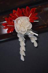 Autumn Leaves and Moon Flower. Handmade kanzashi.