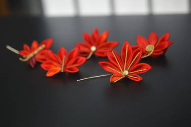 Work in progress leaves: fall kanzashi in red.
