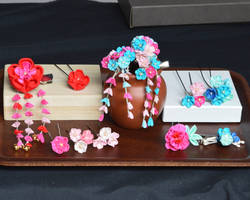 Bright Kanzashi Set: red and blue plum blossoms
