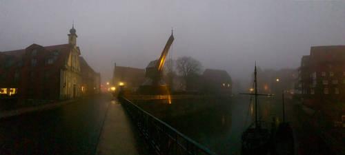 Lueneburg, auf der Bruecke im Morgengrauen (1) by derwahrehorst