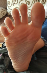 My big Toe spread for you by Lemontoes