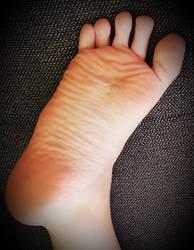 My relaxing Foot by Lemontoes