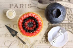 1:12 scale Mixed Berry Tart by Almadejonge