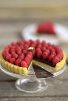 1:12 scale Chocolate Raspberry Tart by Almadejonge