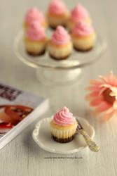 1:12 scale Neapolitan Cupcakes