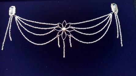 WIP - Bridal Daisy Hair-Chain Frame