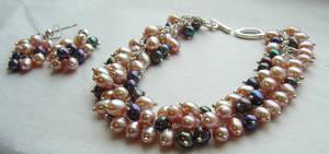 Freshwater Pearl Bracelet by MarieCristine