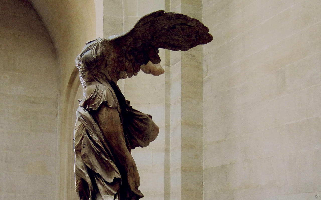 The Winged Victory of Samothrace | Louvre Museum | Paris