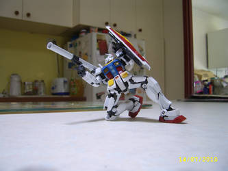 Real Grade RX-78-2 by LordCastigator