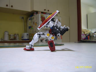 Real Grade RX-78-2 2 by LordCastigator