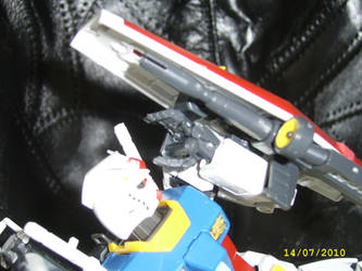 Real Grade RX-78-2 4 by LordCastigator