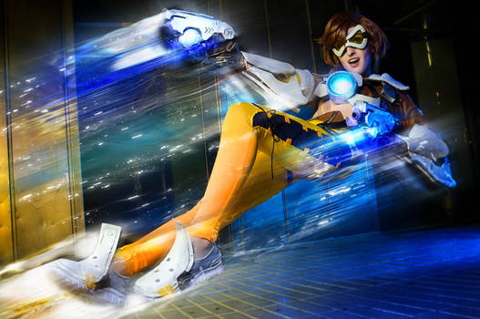 Just in time! - Tracer Overwatch Cosplay