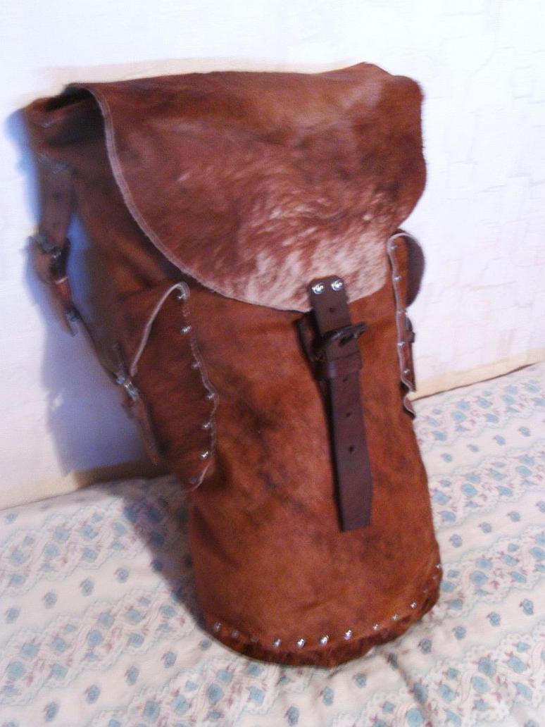 [Human] Bryant Kenndeth Medieval_fantasy_commando_backpack_1_by_stholm-d546nvy