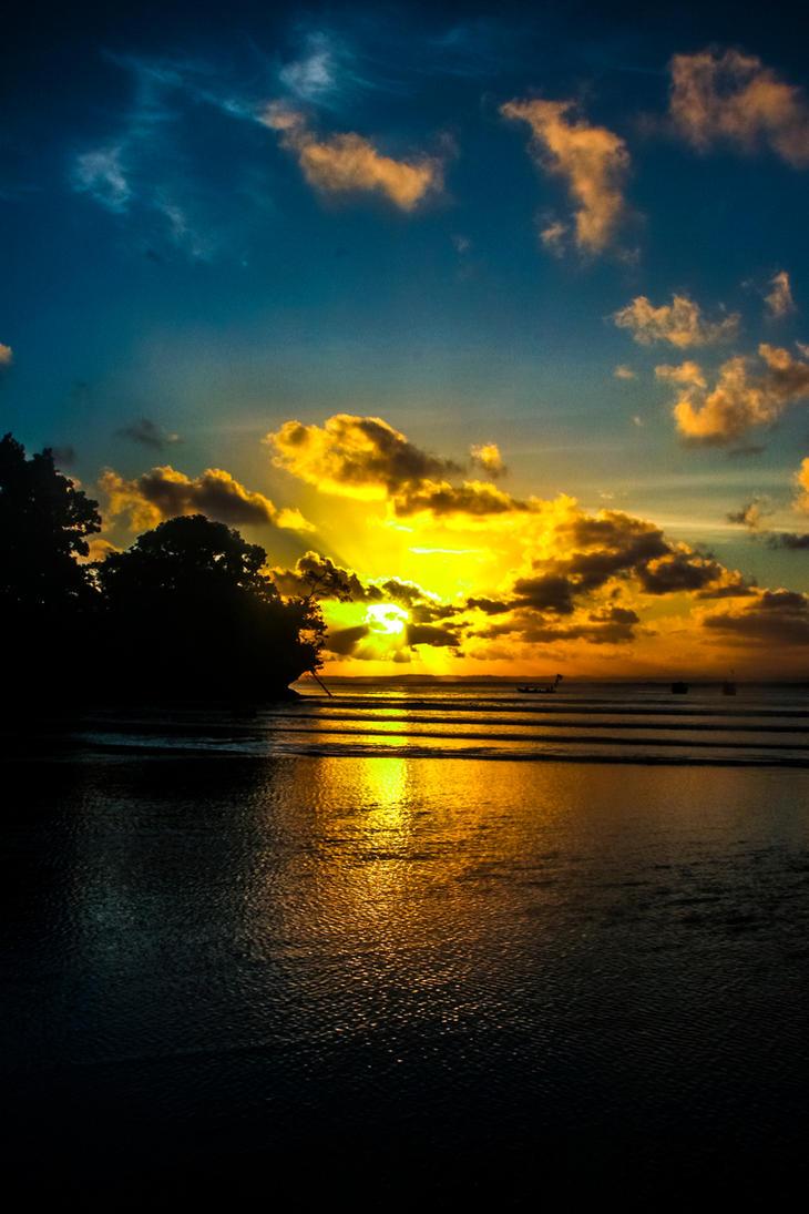 Sun-Set by RayChristian