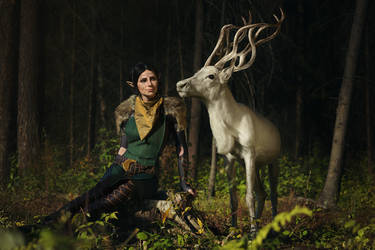 Merrill with Halla 2 - Dradon Age II cosplay by LuckyStrikeCosplay