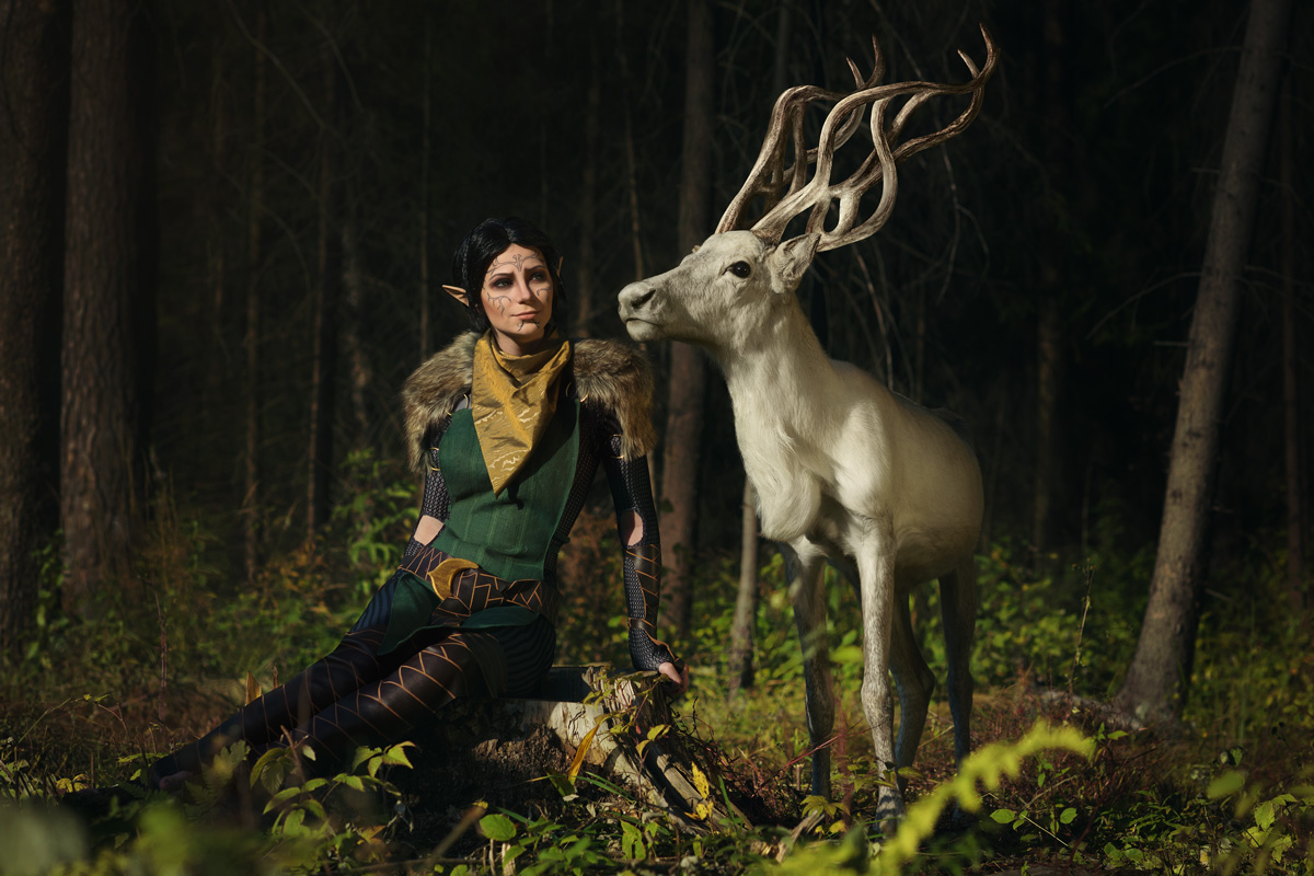 merrill_with_halla_2___dradon_age_ii_cosplay_by_luckystrikecosplay-d9tvm44.jpg