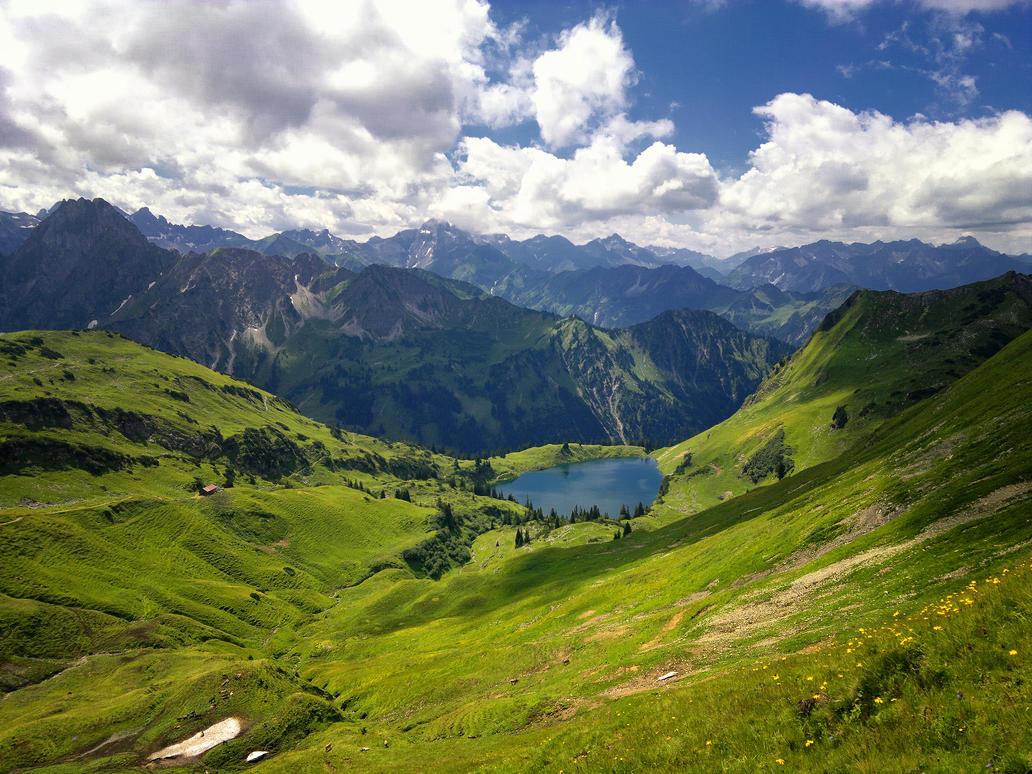 Seealpsee Nebelhorn by tripiatrik