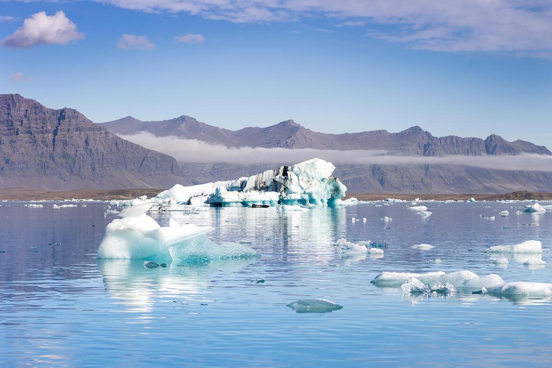 Icebergs by StonyStoneIsStoned2