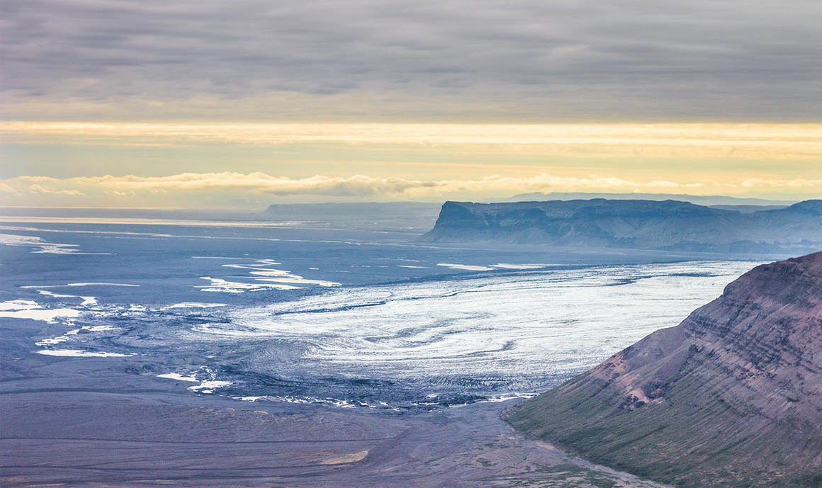 The wandering ice by StonyStoneIsStoned2