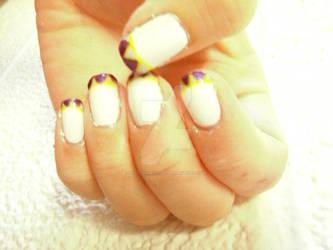 Triangular Manicure