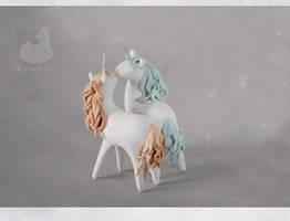 Moon 'n' Light unicorns by Keila-the-fawncat