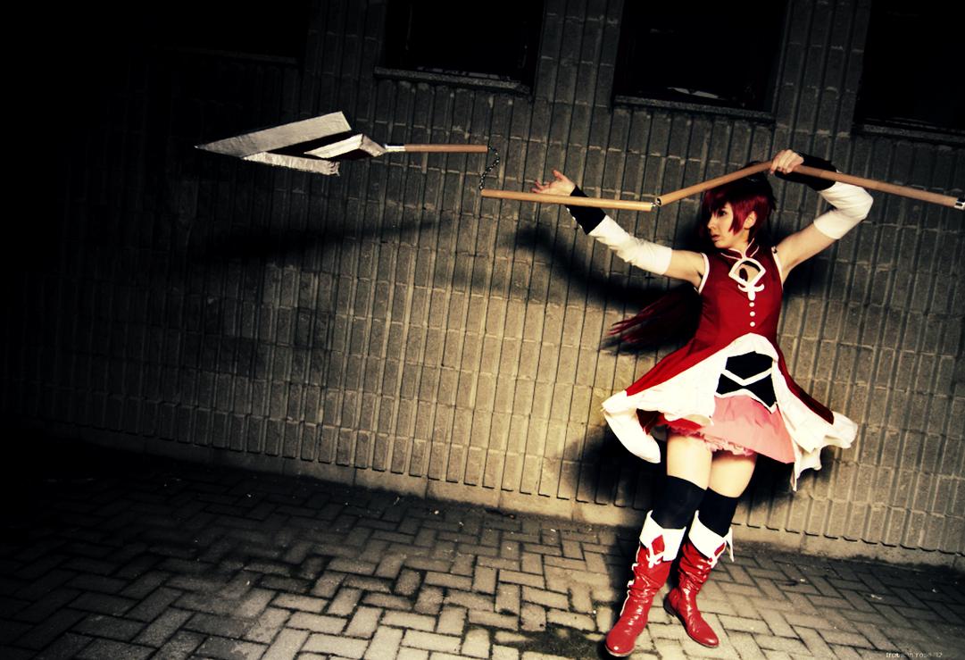 Cosplays Professeur Layton Sakura_kyoko_madoka_magica_by_fraulein_rose-d5mjvsx