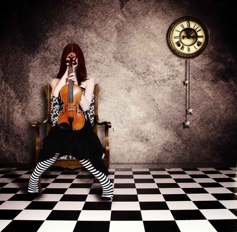 Sad girl with violin by ladyang on DeviantArt