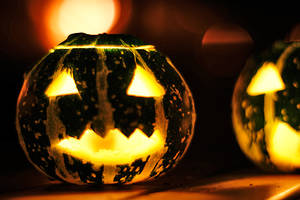 Halloween by ladyang