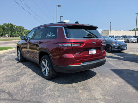 Grand Cherokee L rear