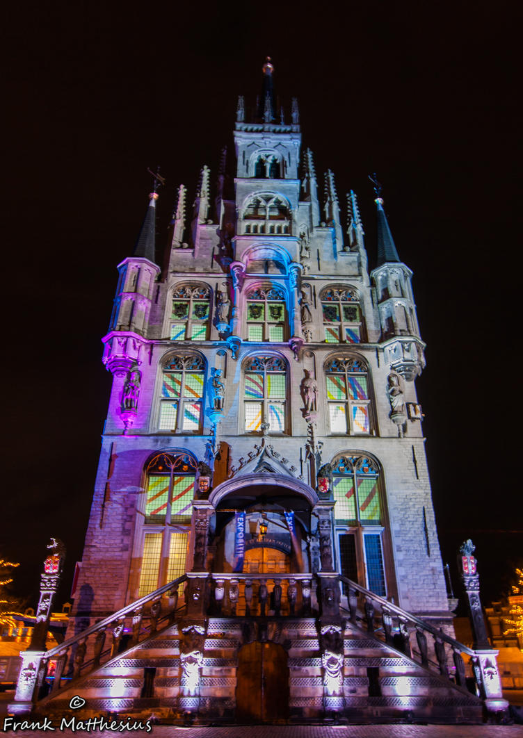 https://pre00.deviantart.net/bd97/th/pre/i/2012/364/b/9/stadhuis_gouda_by_night_by_framafoto-d5pnp7d.jpg